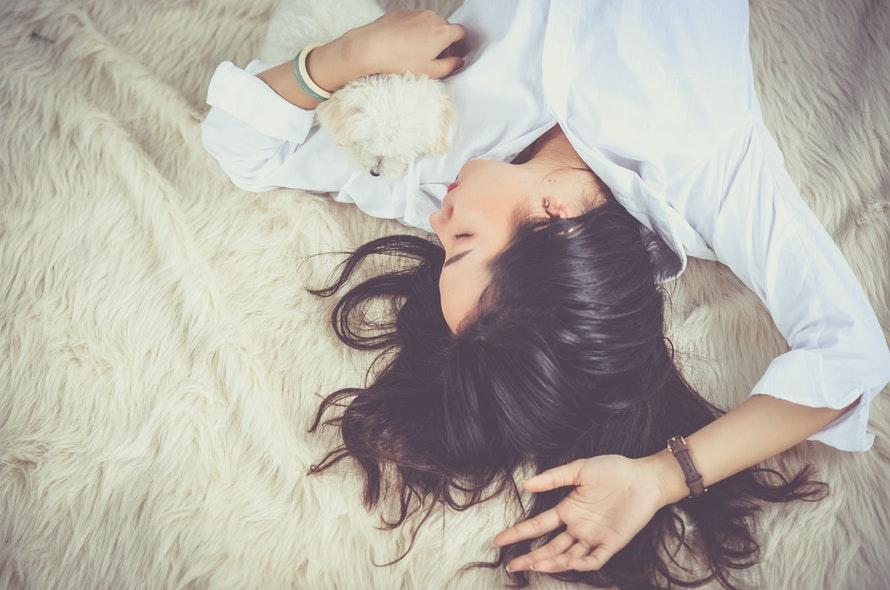 Como dormir melhor sem o uso de remédios?